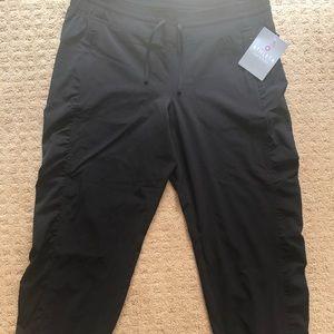 Never been worn athleta pants